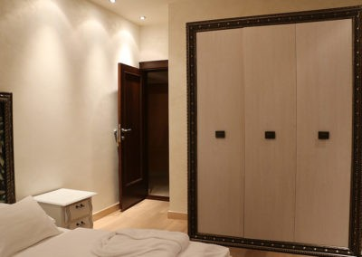 2-deluxe-rooms-with-sharing-bathroom-102.4